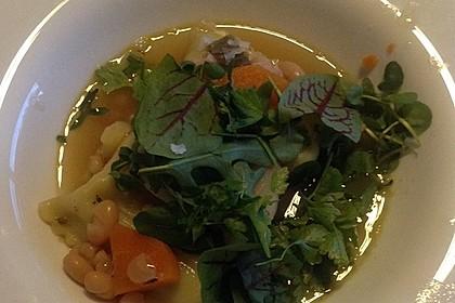 Gemüsesuppe mit Maultaschen