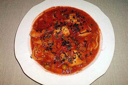Leckere Gemüse - Tomaten - Suppe mit Tortellini 9