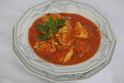 Tomatensuppe mit Tortelloni 2