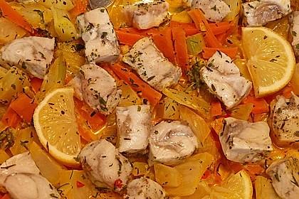Leichte Fischpfanne mit Fenchel und Möhren