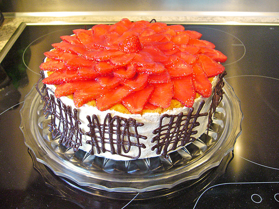 erdbeer vanille sahne quark torte rezept mit bild