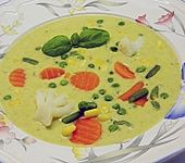 Gemüsesuppe mit Basilikum (Bild)