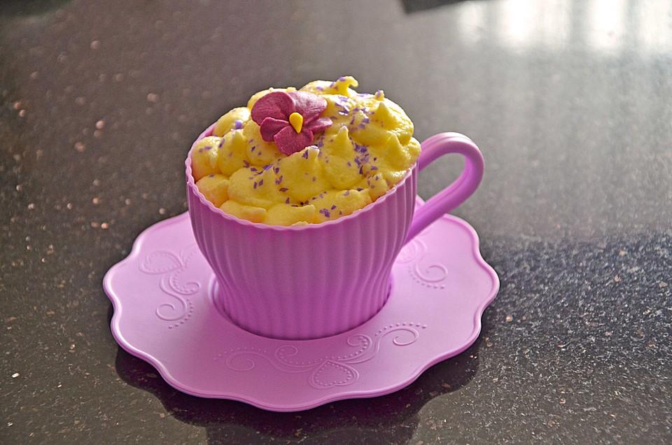 cupcakes mit vanille rezept mit bild von mischajolene. Black Bedroom Furniture Sets. Home Design Ideas