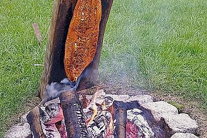 Würziger Flammlachs vom Feuer 2