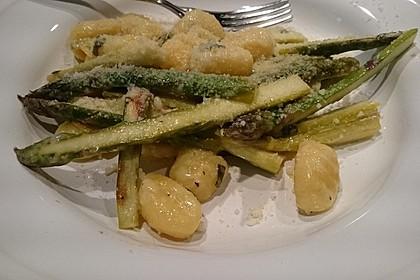 Salbei - Gnocchi mit grünem Spargel 20