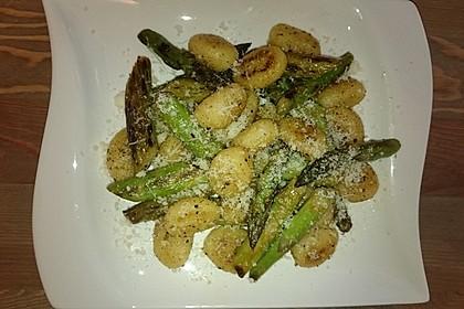 Salbei - Gnocchi mit grünem Spargel 21