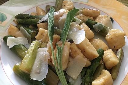 Salbei - Gnocchi mit grünem Spargel 13
