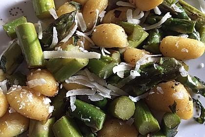 Salbei - Gnocchi mit grünem Spargel 28