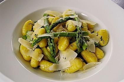Salbei - Gnocchi mit grünem Spargel 2