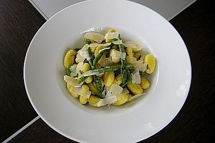 Salbei - Gnocchi mit grünem Spargel 6