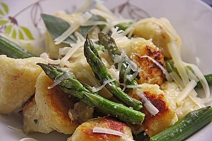 Salbei - Gnocchi mit grünem Spargel 4
