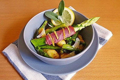Salbei - Gnocchi mit grünem Spargel