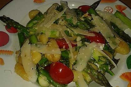 Salbei - Gnocchi mit grünem Spargel 32