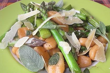Salbei - Gnocchi mit grünem Spargel 10