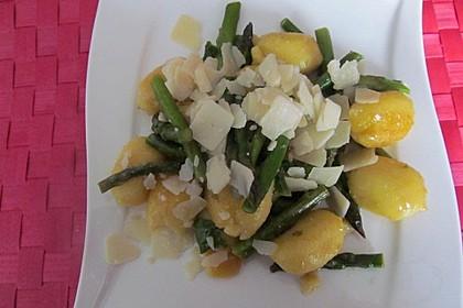 Salbei - Gnocchi mit grünem Spargel 24
