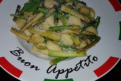 Salbei - Gnocchi mit grünem Spargel 27