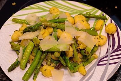 Salbei - Gnocchi mit grünem Spargel 26