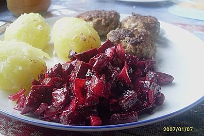 Rote Bete mit Gemüsezwiebeln