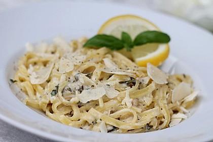 Tagliatelle mit Zitronen-Basilikum-Sauce 3