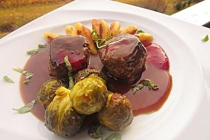 Herzhafte dunkle Sauce zu NT gegartem Fleisch 4