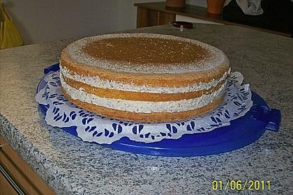 Sahne - Nuss -Torte 7