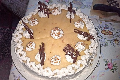 Sahne - Nuss -Torte 3