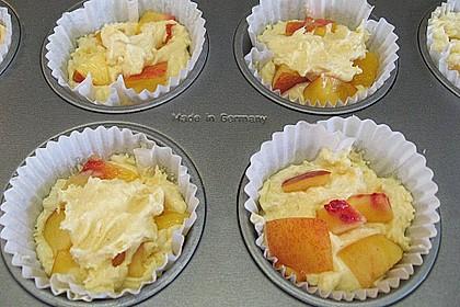 Muffins mit verschiedenem Obst 16