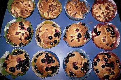 Muffins mit verschiedenem Obst 14