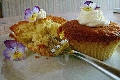 Zitronen - Cupcakes mit Waldmeister - Frischkäse - Creme 42