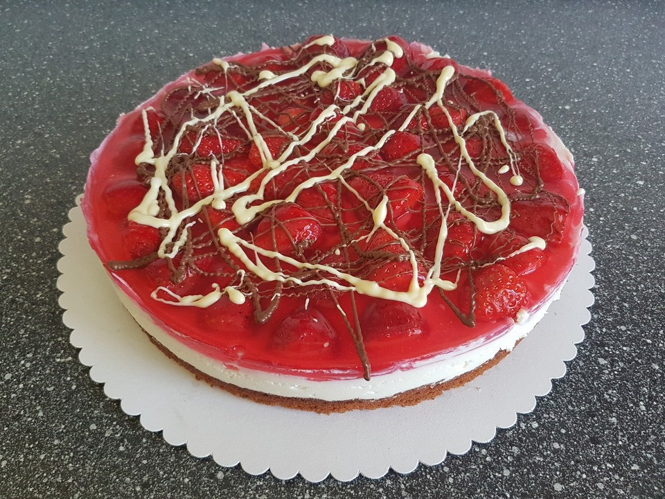 Erdbeer   Holundercreme   Torte