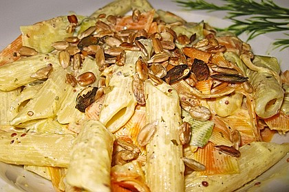 Nudeln mit Gemüse und Frischkäse 6