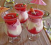 Erdbeeren mit Vanille - Eierlikör - Creme (Bild)