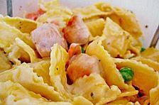 Nudelsalat mit Hähnchen und Joghurtsoße