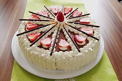 Mikado Erdbeer - Torte mit weißer Schokolade 2
