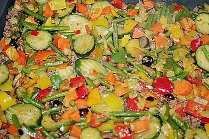 Kartoffelkuchen mit Lamm und Gemüse 10