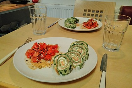Lachs-Spinat-Rolle 13