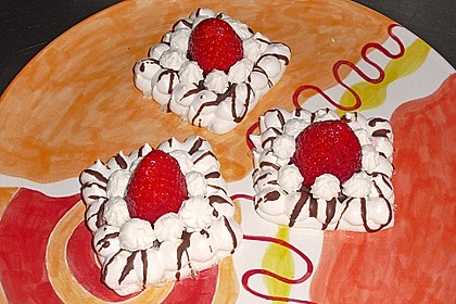 Baiser - Torteletts mit Erdbeeren 1