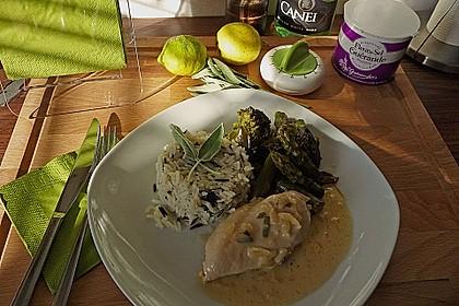 Hähnchenbrust mit grünem Gemüse und Zitronen - Kräuter - Sauce 0