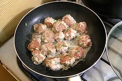 Bunter Salat mit Fleischbällchen 1