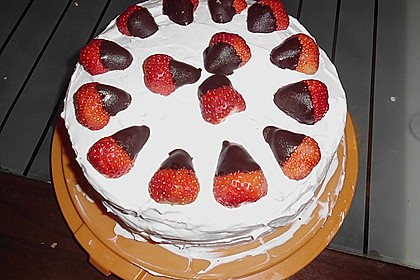 Erdbeer - Knispel - Torte 9