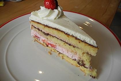 Erdbeer - Knispel - Torte