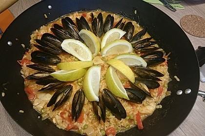 Rafis Fisch Paella 8