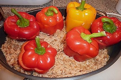 Gefüllte Paprika mit Hackfleisch und Reis 0