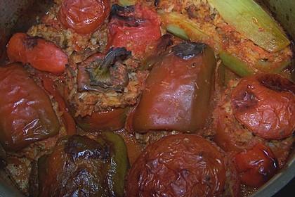 Gefüllte Paprika mit Hackfleisch und Reis 8