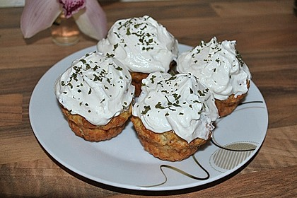 Schinken - Kräuter - Cupcakes mit Quark - Topping 4