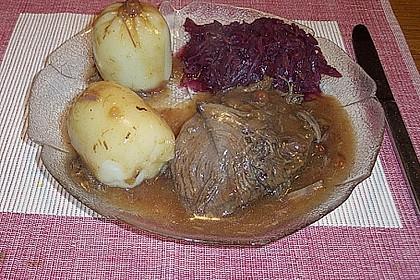 Sauerbraten mit Rotkohl und Kartoffelklößen 13