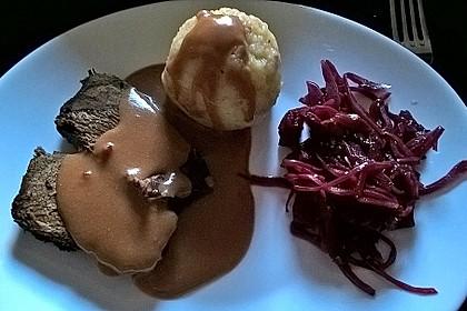 Sauerbraten mit Rotkohl und Kartoffelklößen 3
