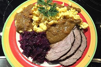 Sauerbraten mit Rotkohl und Kartoffelklößen 4