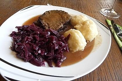 Sauerbraten mit Rotkohl und Kartoffelklößen 1