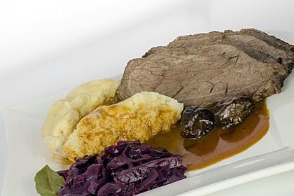 Sauerbraten mit Rotkohl und Kartoffelklößen 2